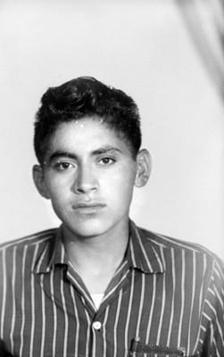 Hombre adolescente, de clase media, retrato