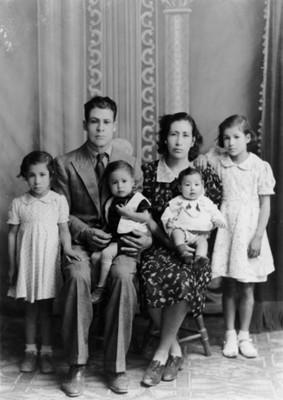 Familia clase media, retrato