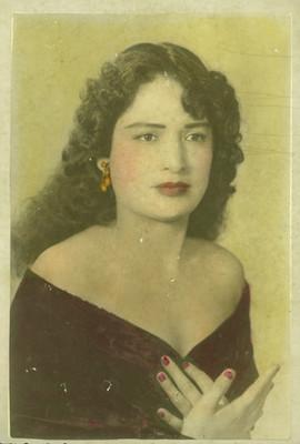 Mujer adolescente de clase alta, retrato