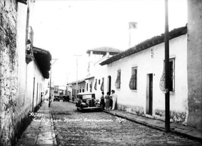 Calle y casa Morrow, vista parcial