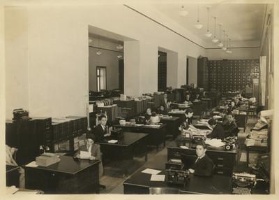 Empleados públicos en una oficina