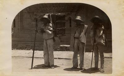 Campesinos cargadores, retrato