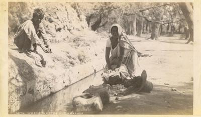 """Lavandera, """"6276. Washing at the hot springs"""""""