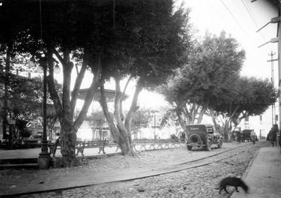 Parque y kiosko, vista parcial