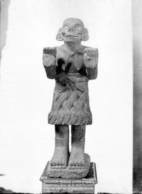 Escultura mexica de la diosa Coatlicue