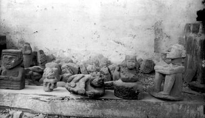 Esculturas prehispánicas zoomorfas y antropomorfas de piedra
