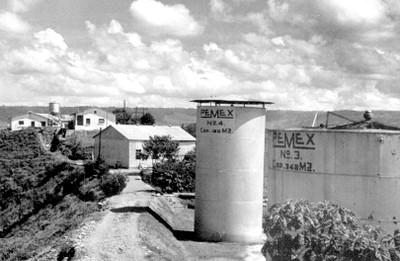 Tanques de almacenaje de petróleo