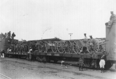 Artilleria federal trasladada sobre tren militar