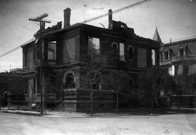 Casa del presidente Francisco I. Madero después de ser incendiada