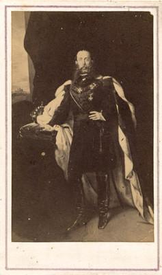 Tarjeta de visita con retrato al óleo de Maximiliano, reprografía