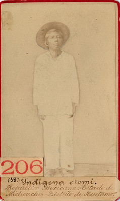 Hombre otomí con sombrero
