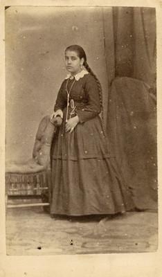Mujer con trenzas