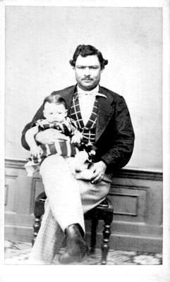 Hombre con niño, tarjeta de visita