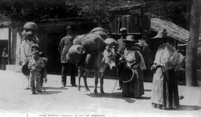"""Vendedores de ollas en una calle de la ciudad de México, """"5292. Street scene city of México"""""""