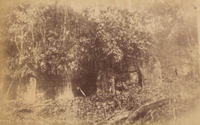 """""""Fachada del Palacio de Palenque"""" antes de su reconstrucción"""