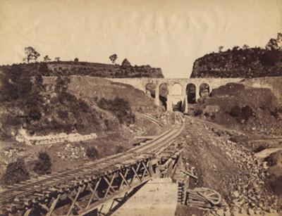 Acueducto de Jajalpa y vías férreas