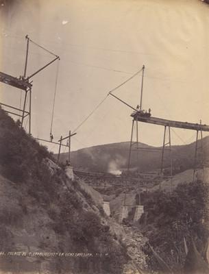 Puente de S[an] Francisquito en construcción F. C. N