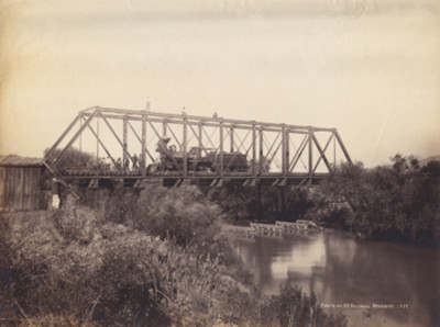 Puente del F. C. Nacional [de] Acámbaro