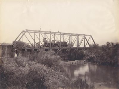 Puente del F.C. Nacional [en] Acámbaro