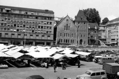 """""""Lausana, Suiza, el mercado"""" con puestos ambulantes"""