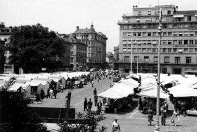 """""""Lausana, Suiza, el mercado"""" con clientes"""