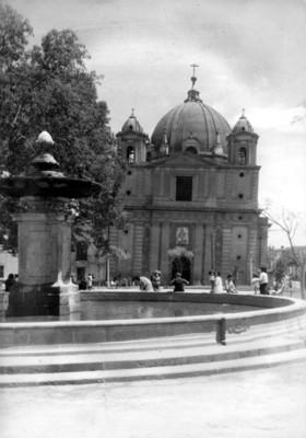 Iglesia de Loreto, fachada y atrio