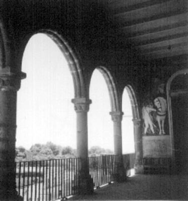 Mural y arcos en el palacio de Cortés, detalle