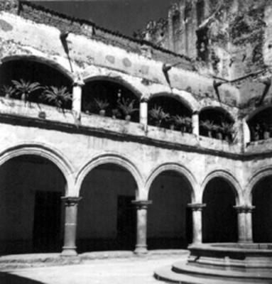 Vista parcial de la fuente del Convento de San Francisco