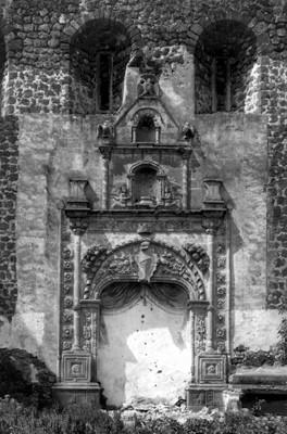 Iglesia de San Bernardino, portada lateral