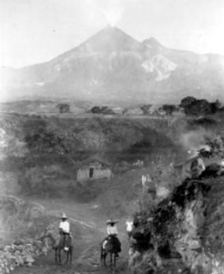 Vista de una comunidad cercana al volcán Popocatépetl