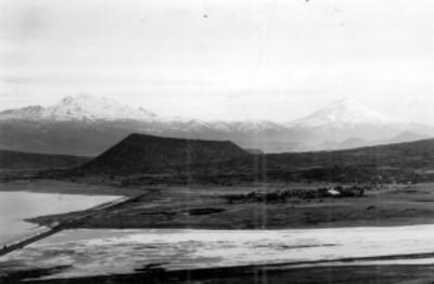Monte Tlaloc, al fondo los volcanes Popocatepetl e Iztaccihuatl, paisaje