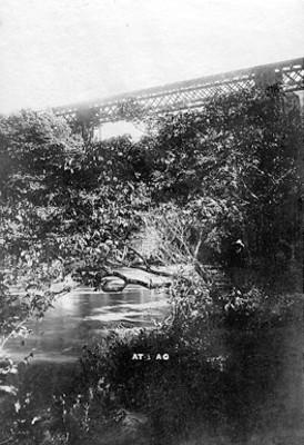 Puente y rio de Atoyac, vista parcial