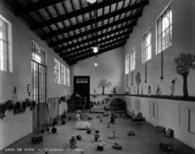 """Sala de juego en la """"Casa de Cuna [en] Coyoacán"""", interior"""