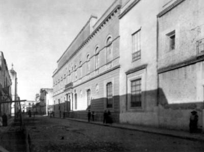 Academia de San Carlos, fachada