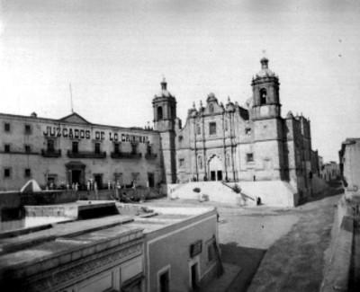 Panorámica de los Juzgados de lo Criminal e iglesia de Santo Domingo