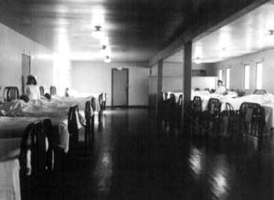 Enfermeras con pacientes en la Sala de Recuperación