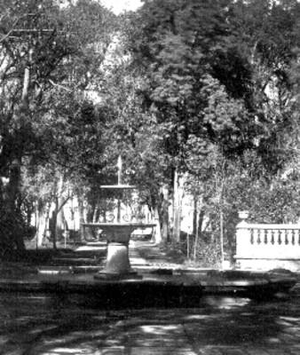 Alameda de Méxio, fuente