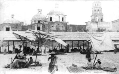 """Querétaro. La plaza del mercado, """"...Queretaro. The market square"""""""