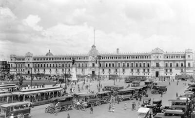 Palacio Nacional y Zócalo