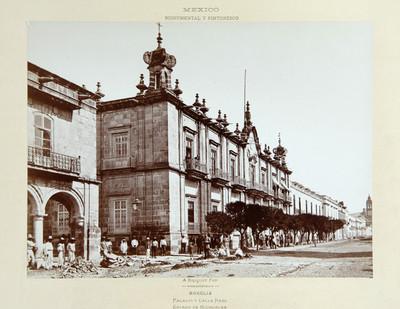 Palacio y Calle Real. Estado de Michoacán