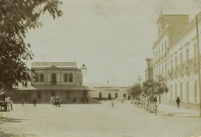 Vista del Edificio de la estación del ferrocarril en Guadalajara