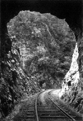 Túnel ferroviario del Cañon de la Mano, vista