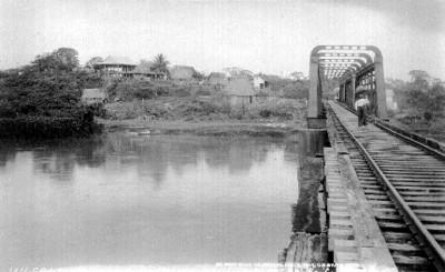 """Puente de Santa Lucrecia en el Istmo de Tehuantepec, """"F.C. Istmo de Tehuantepec, Sta. Lucrecia bridge. La Puerta Estate"""""""
