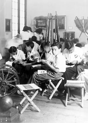 Estudiantes en un taller del Museo Nacional de Historia