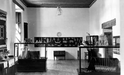 Artesanias mexicanas exhibidas en un museo