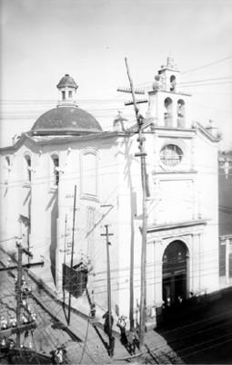 Vista parcial del Templo y Ex-Hospital de San Pedro, reprografía