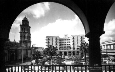 """Hotel Diligencias"", exterior, tarjeta postal"