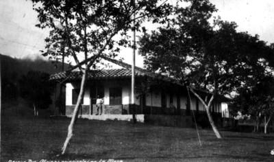 Oficinas principales de la Compañía Mexicana de Luz y Fuerza Motriz, vista general