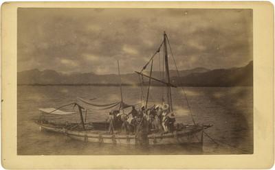 Hombres abordo de un velero