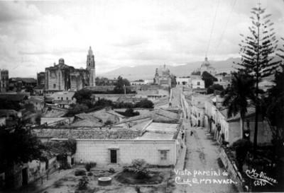 """""""Vista parcial de Cuernavaca"""", panorámica"""